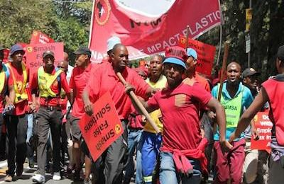 Black Unionists Try to Save South Africa from Becoming a Failed State  (BAR)