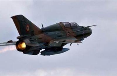 Un avion militaire syrien abattu par les rebelles près de Hama (Xinhua)