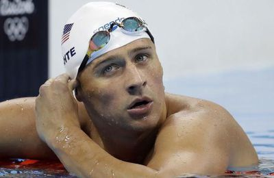 JO 2016. Quatre nageurs US, dont le champion olympique Ryan Lochte, se font braquer et voler à Rio (The Independent)