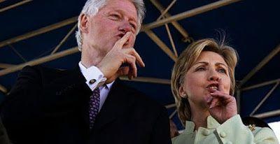 Un président haïtien explique la Fondation Clinton (Vidéo)
