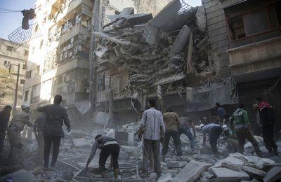 « Une cible géante » : les morts se comptent par centaines alors que l'armée prend d'assaut Alep (Middle East Eye)