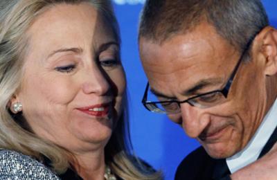 Les étranges e-mail de John Podesta révélés par WikiLeaks (Vidéos)