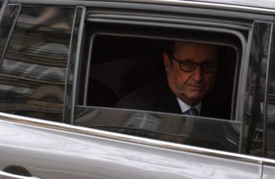 """Convoi de François Hollande: l'enquête requalifiée en """"homicide involontaire"""" (L'Express)"""