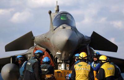 La France prétend lutter contre l'EI : peu de frappes aériennes et retour du Charles de Gaulle