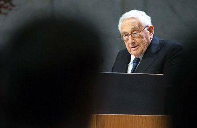 Entremises entre Washington et Moscou. Kissinger a la mission d'empêcher une nouvelle guerre froide (Bild)