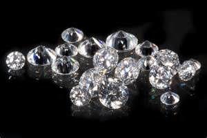 Un voyageur en partance pour Bruxelles arrêté à Paris avec 800 grammes de diamants bruts de RDC dans le caleçon (AFP)