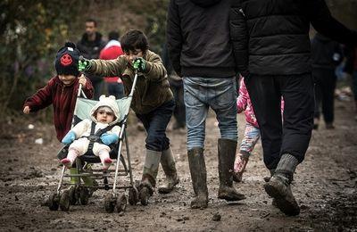 Dans les centres d'accueil, les espoirs douchés des anciens exilés de la jungle de Calais (Bastamag.net)