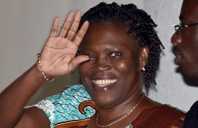 Côte d'Ivoire: 20 ans de prison pour « atteinte à la sûreté de l'État », Simone Gbagbo acquittée de crimes contre l'humanité (Connection ivoirienne)