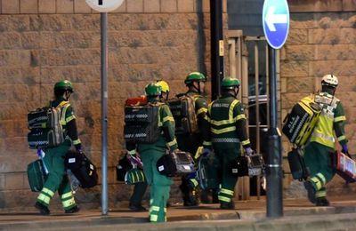 Un kamikaze britannico-libyen se fait exploser dans un concert d'Ariana Grande à Manchester : 22 morts et des dizaines de blessés (Vidéos)