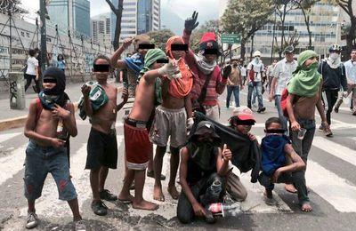 Venezuela : l'opposition paie des enfants pour les enrôler dans ses violences (Albaciudad)