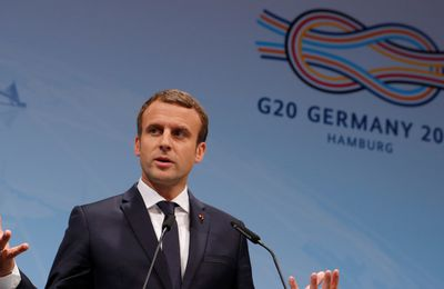 [Vidéo] Macron confirme le changement de la politique française en Syrie et tacle Hollande et Sarkozy (Russia Today)