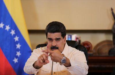 Maduro critique sévèrement Rajoy au sujet de la violence policière en Catalogne (Vidéo)
