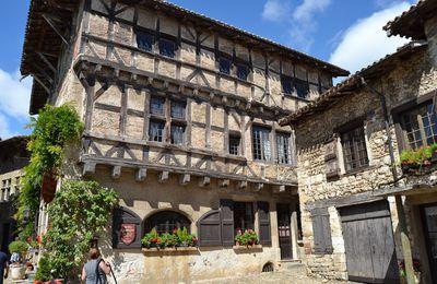Pérouges, La Magnifique Citée Médiévale (Ain 01)