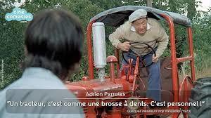 """Le complexe de la brosse à dents ou """"Des subtiles relations que le crétin rural entretient avec son tracteur"""""""