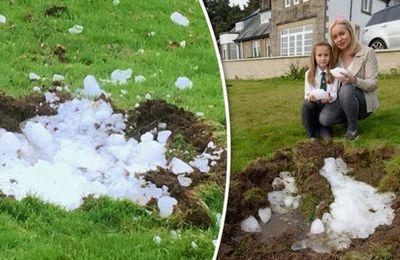 Un énorme morceau de glace qui tombe du ciel creuse un énorme cratère en Ecosse - Un mégacryometeor ???
