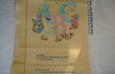 """PANNEAU MURAL 'BEATRIX POTTER"""" pour bébé léonin......"""