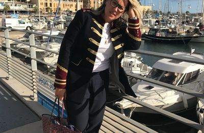 Fashion tip : la veste officier bat le pavé