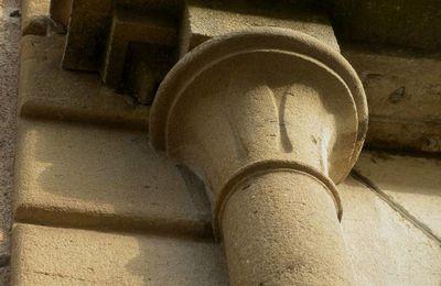 Une balade autunoise à la découverte des décors ouvragés qui personnalisent les maisons