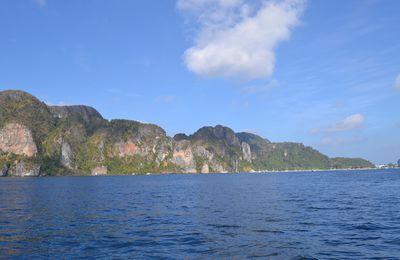 Ko Phi Phi, l'île du snorkeling et du grand n'importe quoi