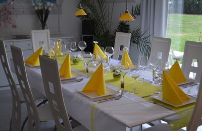 Déco de table jaune et blanc