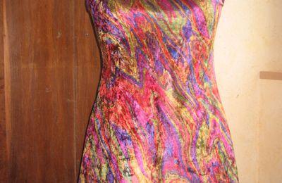 Robe courte originale à bretelles de marque anglaise