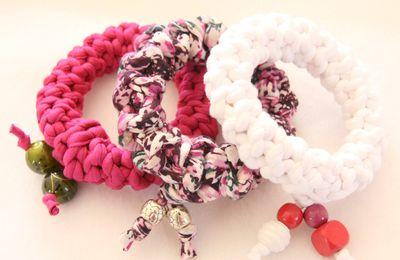 Bracelet bangle textile tons roses en fil Tshirt recyclé
