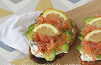 TARTINES SAUMON AVOCAT