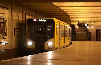 Le métro bondé en hiver
