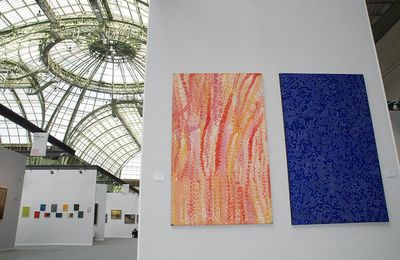 Photos du stand d'art aborigène à Art Paris Art Fair 2017 au Grand Palais