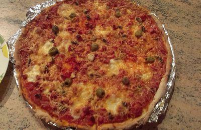 Pizza Regina avec pâte maison