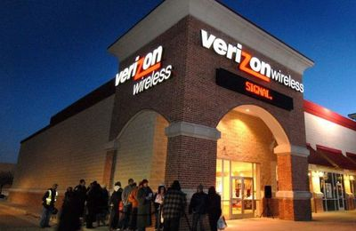 Verizon Slashes 50 Percent Off Select Android Smartphones: Galaxy Note 4, Xperia Z3v, Moto X, Droid Turbo