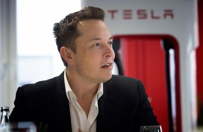 Tesla's Elon Musk Lights Up Social Media With A TED Style Keynote