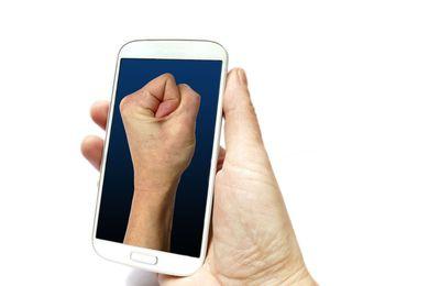 ForcePhone, ou comment contrôler son smartphone juste en le serrant