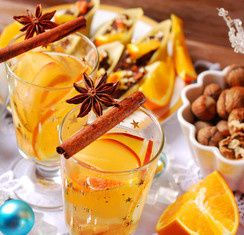 Jus d'orange chaud aux épices de Noël
