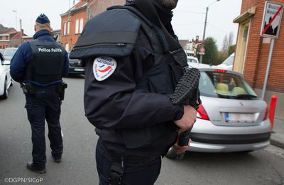 Mr POUTOU et le désarmement de la Police - Une faute morale !