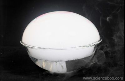 Dry ice bubble by Luca and Lucas