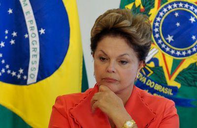 La oposición brasileña en bloque exige que el Tribunal Supremo brasileño procese a la  presidenta Dilma Rousseff.