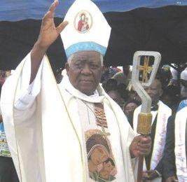 El cardenal Tumi  se dirige a Paul Biya: Cuando se es viejo, no se puede dirigir  un país tan joven y tan complejo.