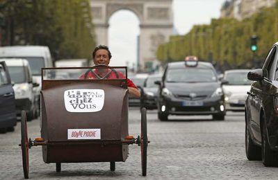 Antoine de Maximy vous propose ce mercredi une balade interactive dans Paris