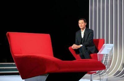 Julien Clerc s'allonge sur le divan de Marc-Olivier Fogiel ce soir sur France 3 (extraits)