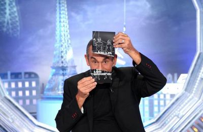 "David Ginola, Stéphane Bern, Jérémy Ferrari (...) invités de ""Salut les terriens !"" ce samedi sur C8"