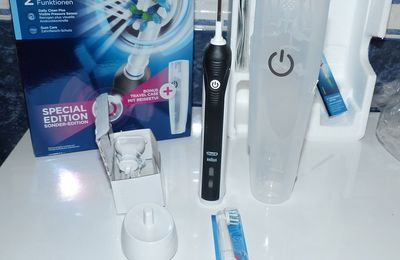 La Brosse à Dents Electrique Rechargeable Pack Bonus Oral B Pro 2500 Crossaction