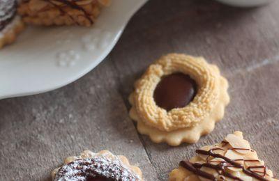 Assortiment de biscuits sablés avec la même pâte