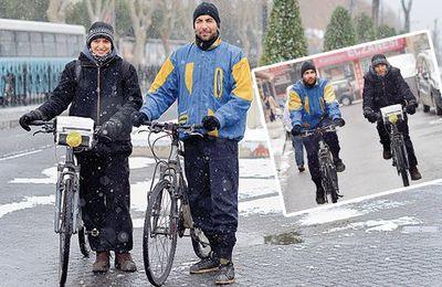 Bouquinistes à vélo : Bisikletli Sahaf