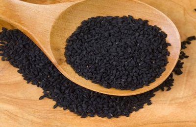 La nigelle ou cumin noir, son huile et son petit goût d'orient.
