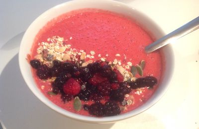 smoothie bowl fruits rouges sans lactose
