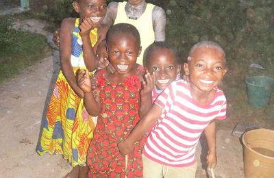 Afrique entre misère et sourires