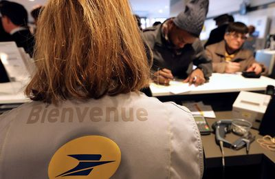 À La Poste, il y a la queue, mais on vous explique