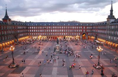 PROMENADE A MADRID / TOURISME