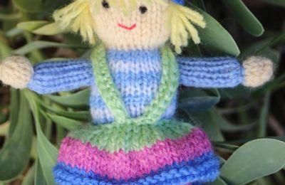 Poupée au tricot Dollytime